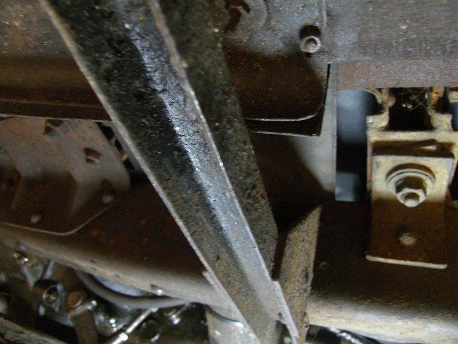 Restauration de la 201 Cabriolet de Tibo - Page 9 Traver10