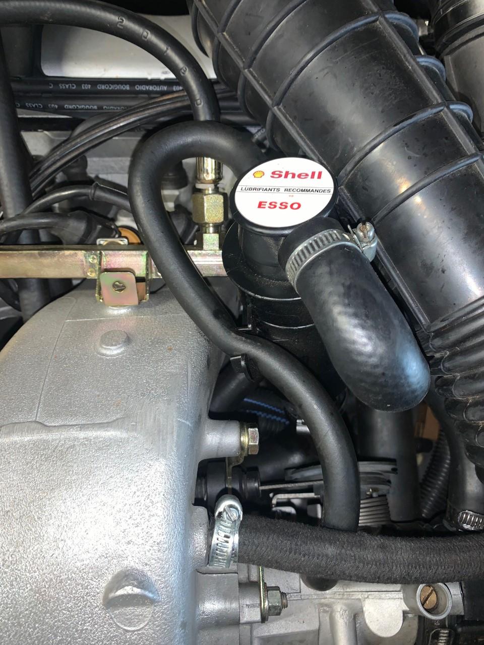 Montage du support de reniflard d'huile Thumbn47