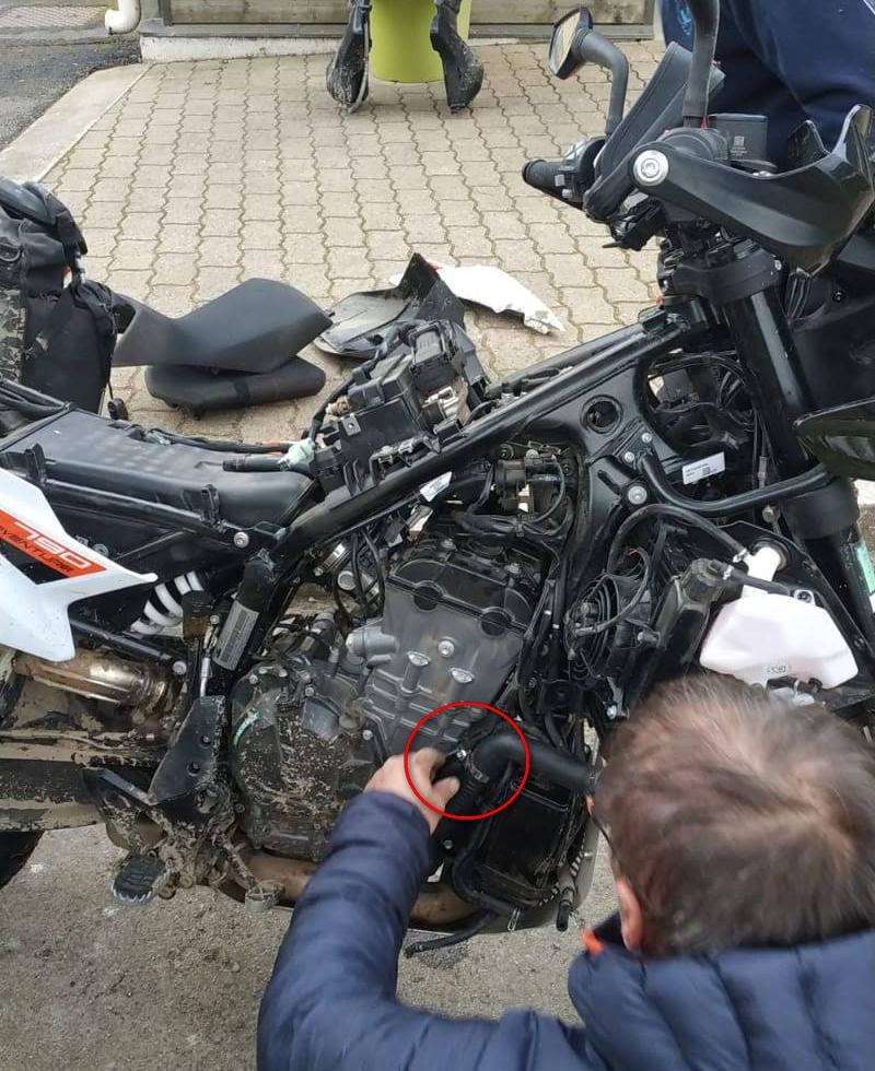 Avis aux possesseurs de KTM 790 Img-2011