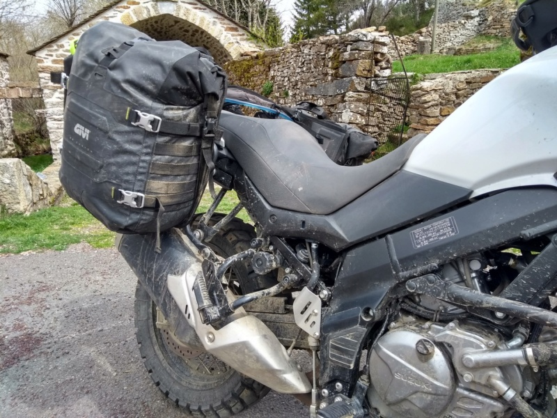 Retour sur les sacoches GIVI GRT 709 (TET France) Img_2031