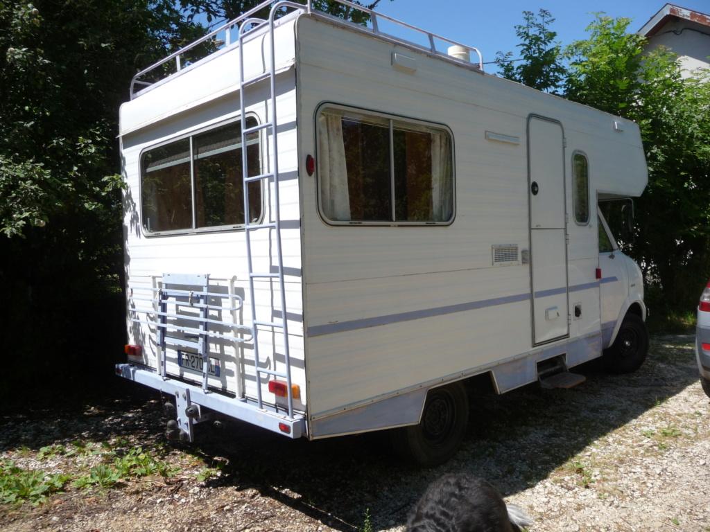 Ecole mobile pour aller au plus près de chez vous en Bedford CF 280  P1030611