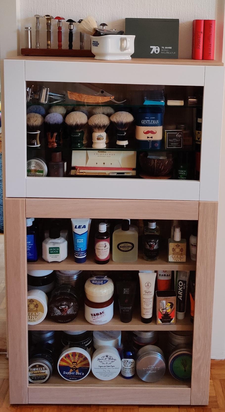 Photos de votre armoire spéciale rasage (ou de la partie réservée au rasage) - Page 30 2020-029