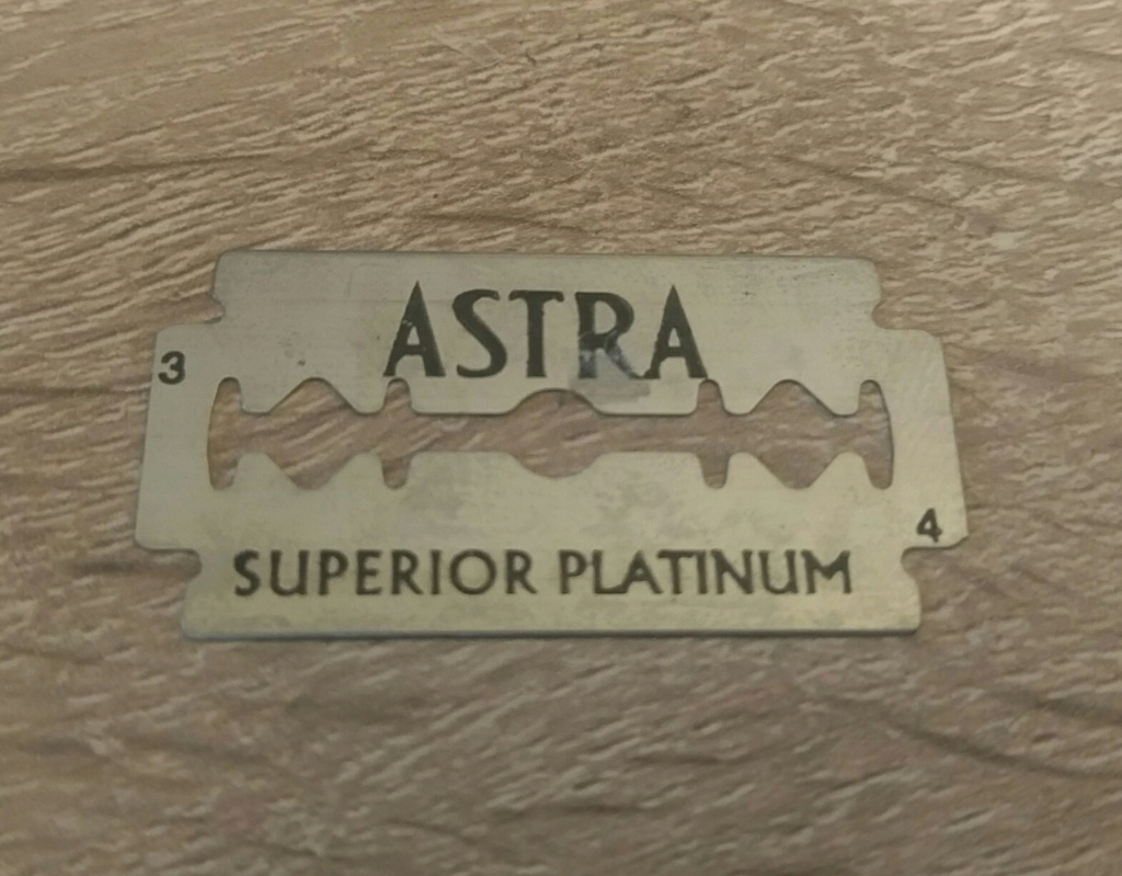 astra superior platinum - Page 7 Img_2016