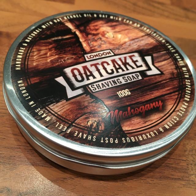 Présentation london oatcake shaving soap Img_3116