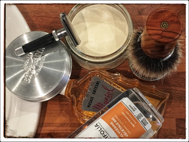 Savon Antiga Barbearia de Bairro - Page 3 Img_e110