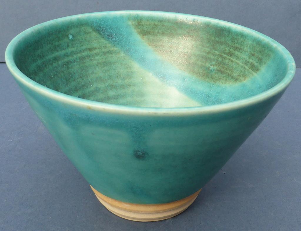 Turquoise Studio Bowl - Any Ideas? P1460711