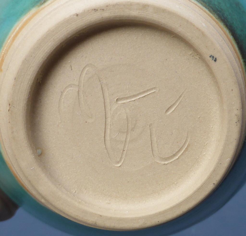Turquoise Studio Bowl - Any Ideas? P1460712
