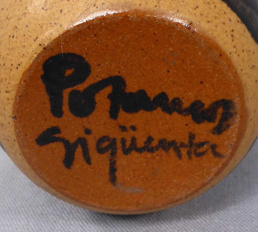 Stoneware Cat Jar, signed Pozancos Sigüenza  P1670313