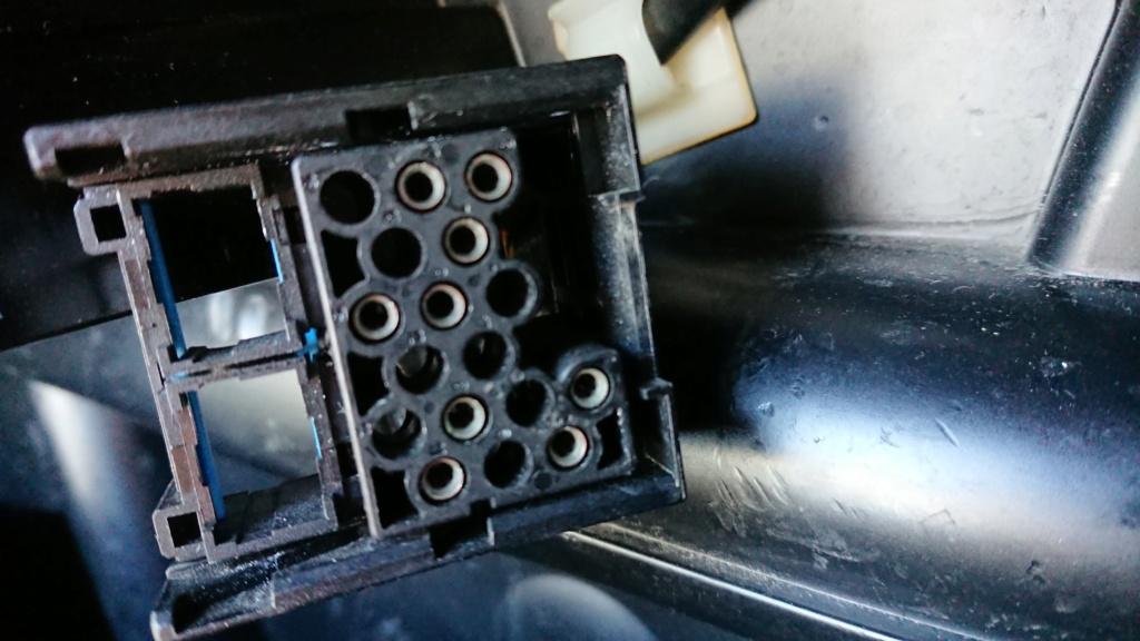 BRANCHEMENT AUTORADIO POUR R1200CL Fiche_10