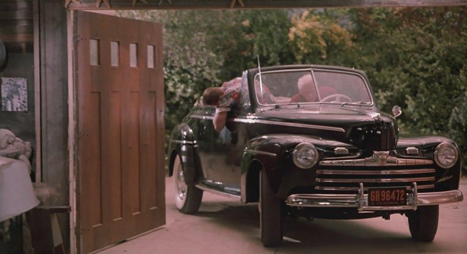 1946 Ford décapotable (Biff Retour vers le futur) I0037710