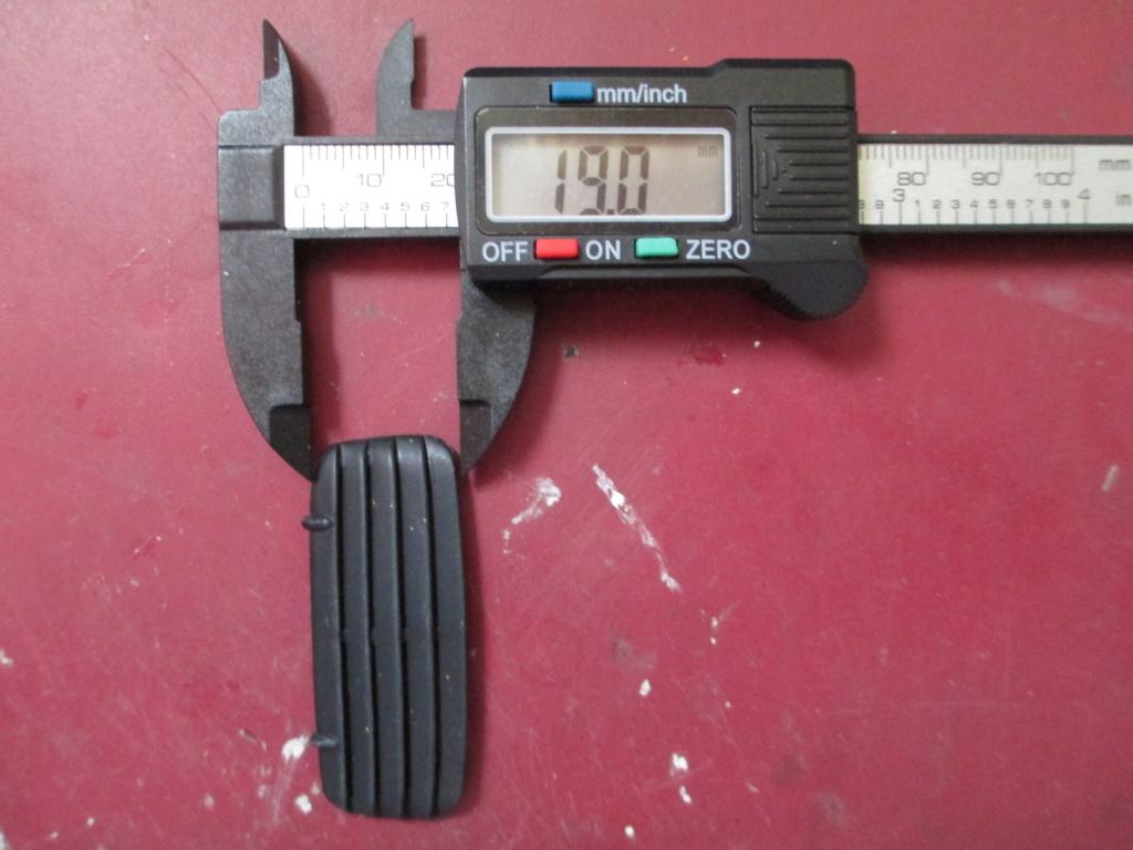 scratcher des déflecteur arrières (rear louvers) au 1/25 Img_6111