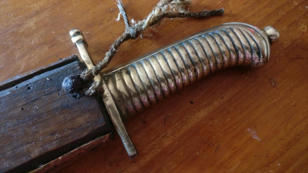 Identification d'une poignée d'épée/sabre Img_2207