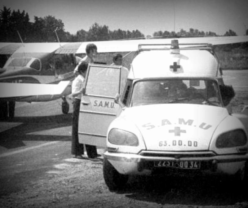 Ambulances 00000018