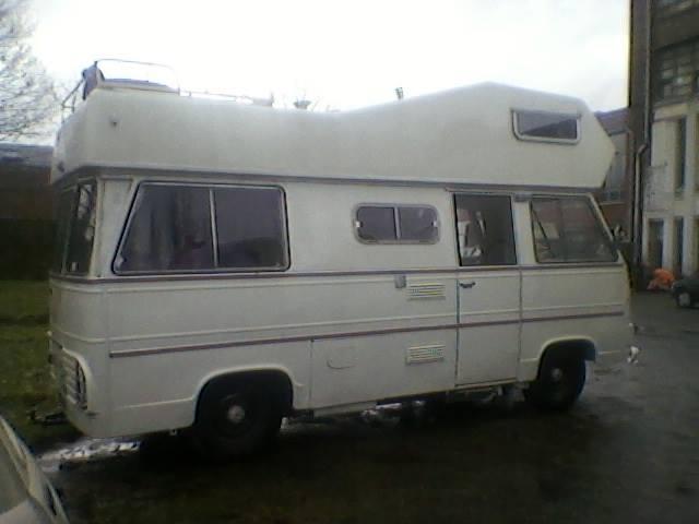 un CURRUS en camping-car.... 00000032