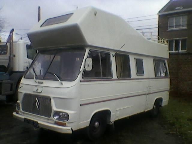 un CURRUS en camping-car.... 00000033