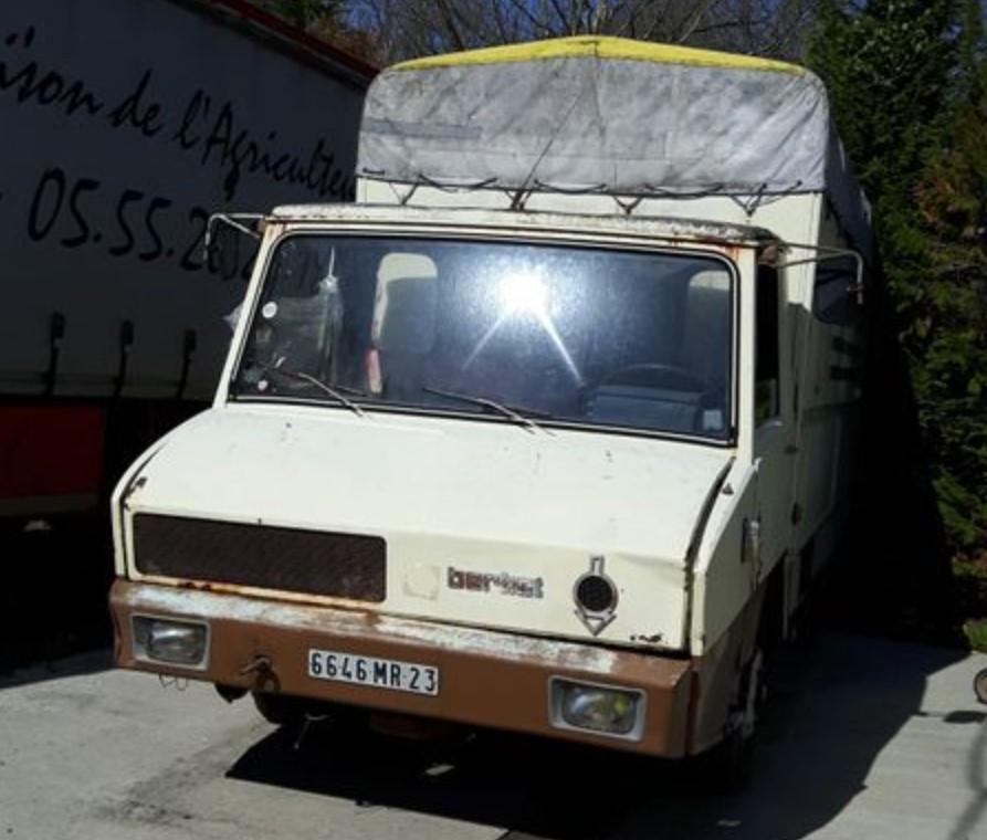 BERLIET STRADAIR à vendre 700 € 0_0_0926