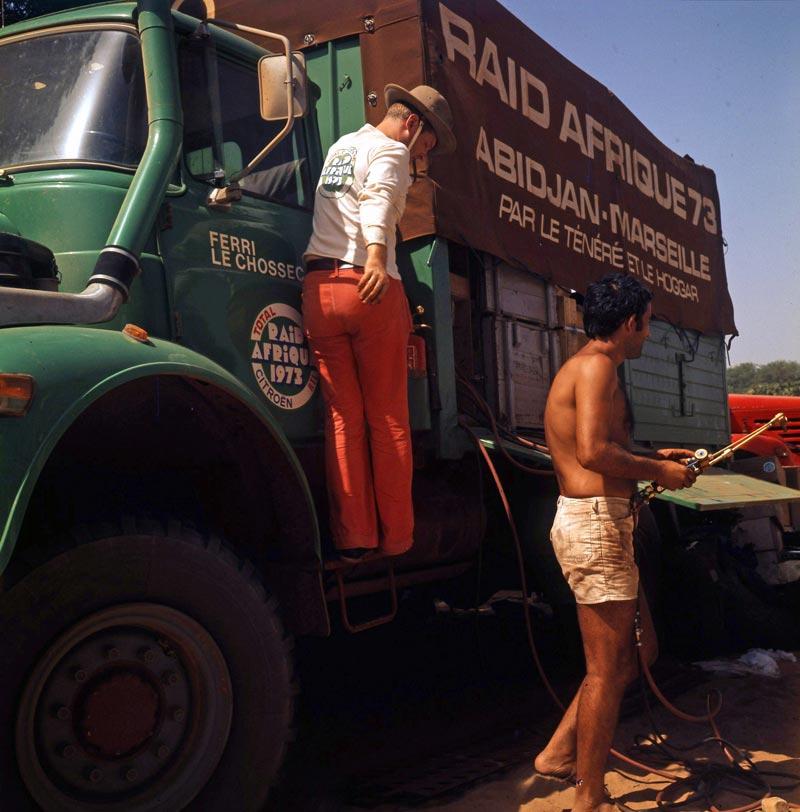 Les BERLIET et 2cv du RAID AFRIQUE 1973 0_0_3_26