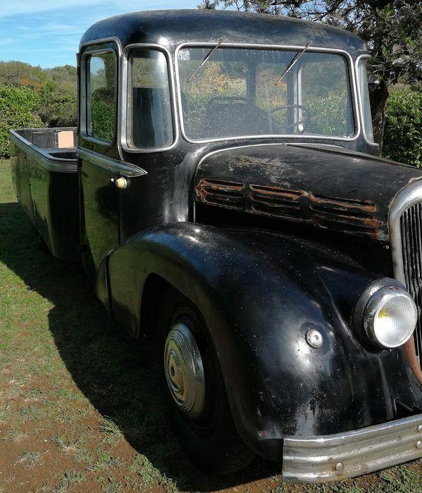 Citroën - RU23 Currus - 1949 corbillard à vendre aux enchères 0_1228