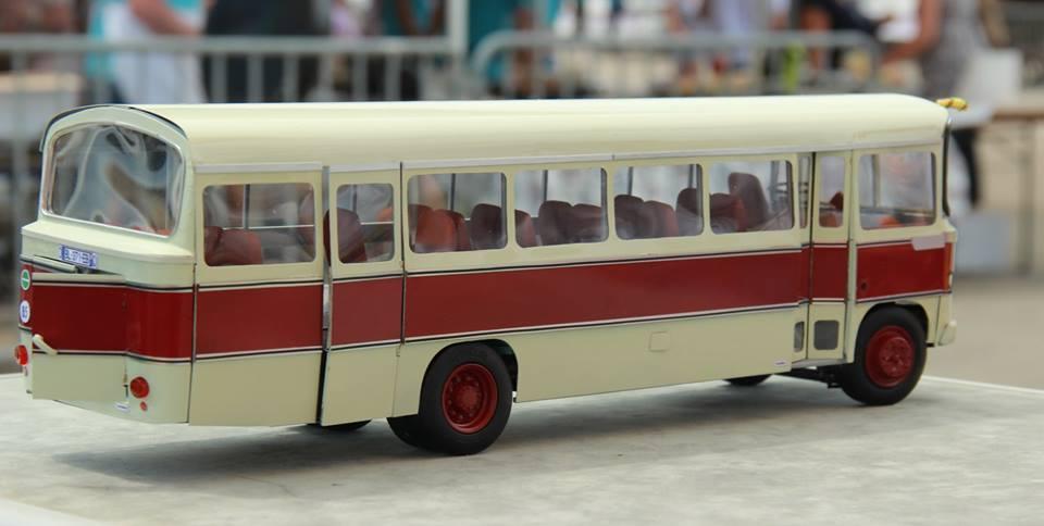 un autocar Citroën 60 DIP Heuliez réduit au 1/24ème 0_1_016