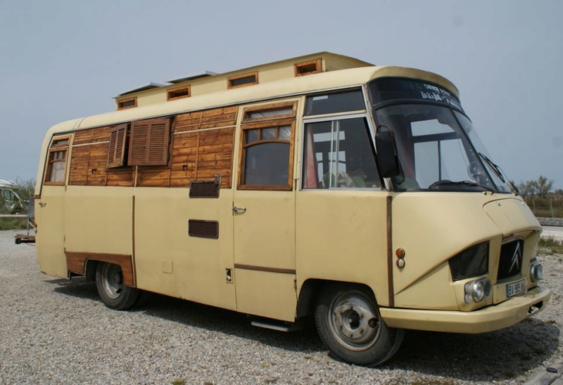 "un Belphégor transformé en ""chalet-camping car"" 12_032"