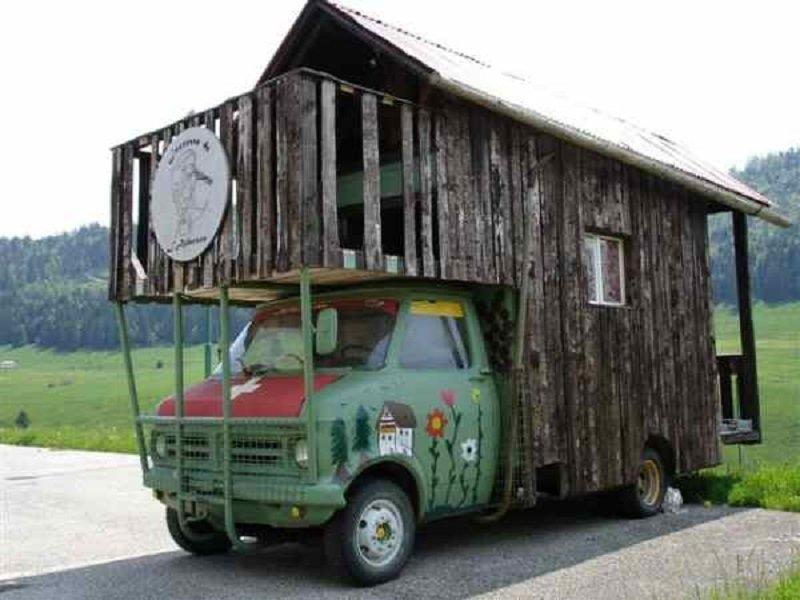 "un Belphégor transformé en ""chalet-camping car"" 13_412"