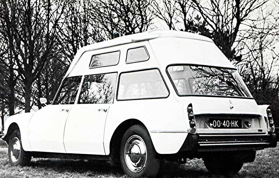 Ambulances 16125