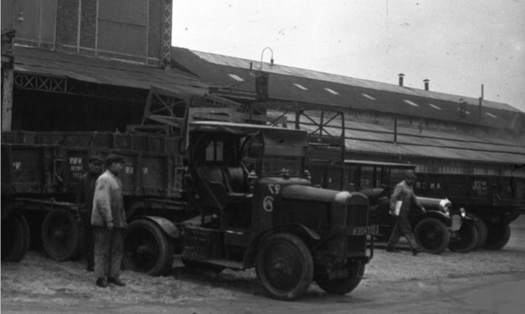Le Tracteur FAR (le Cheval Mécanique) - Page 2 1_1147