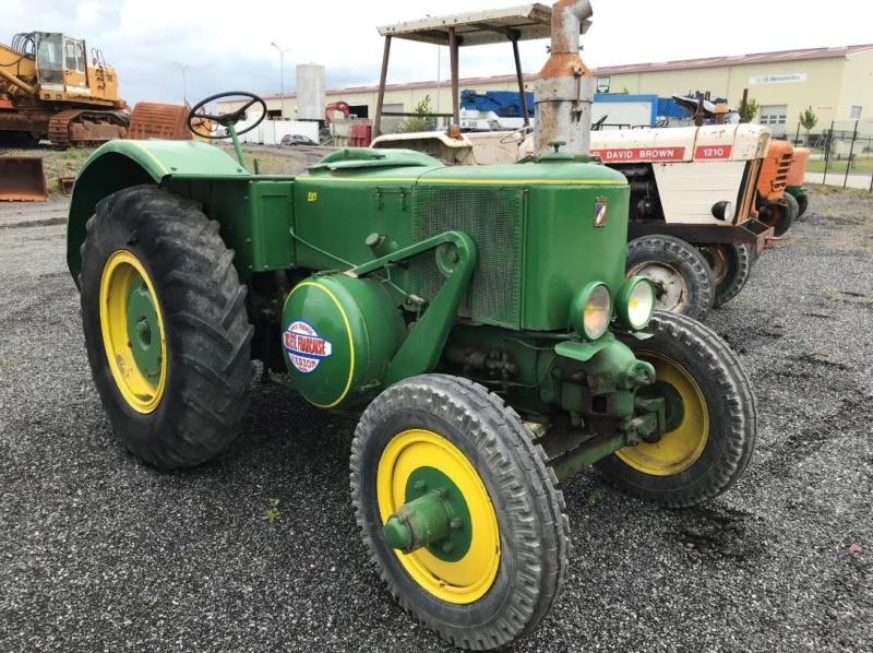 Vente aux enchères dans la Manche :voitures de collection, tracteurs anciens, engins agricoles et TP 1_2413