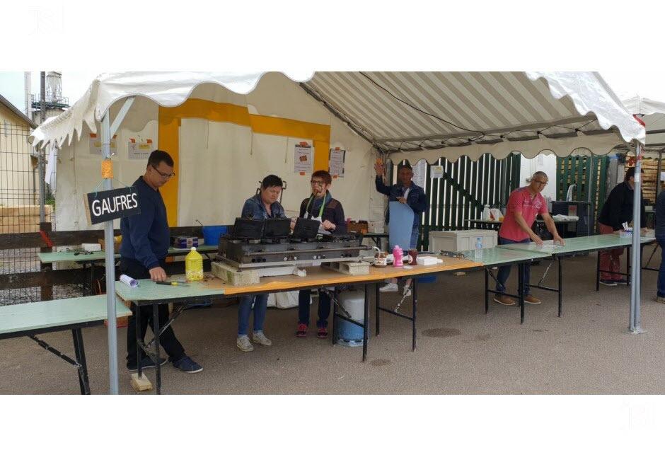 71 - Vendenesse-lès-Charolles : exposition de véhicules anciens le 9 Juin 2019 Les-be10