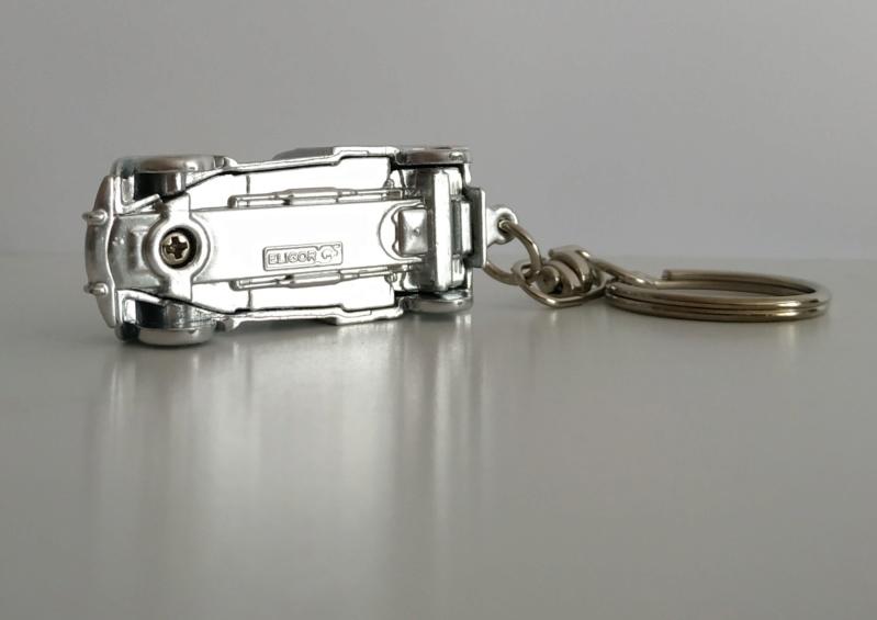 Porte-clefs /miniature 1/87 Minia117