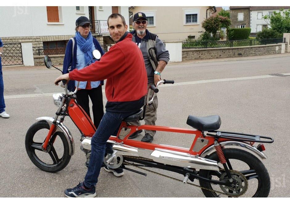 71 - Vendenesse-lès-Charolles : exposition de véhicules anciens le 9 Juin 2019 Sebast10