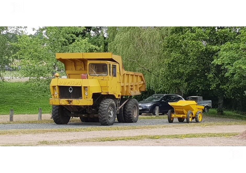 71 - Vendenesse-lès-Charolles : exposition de véhicules anciens le 9 Juin 2019 Un-ber10