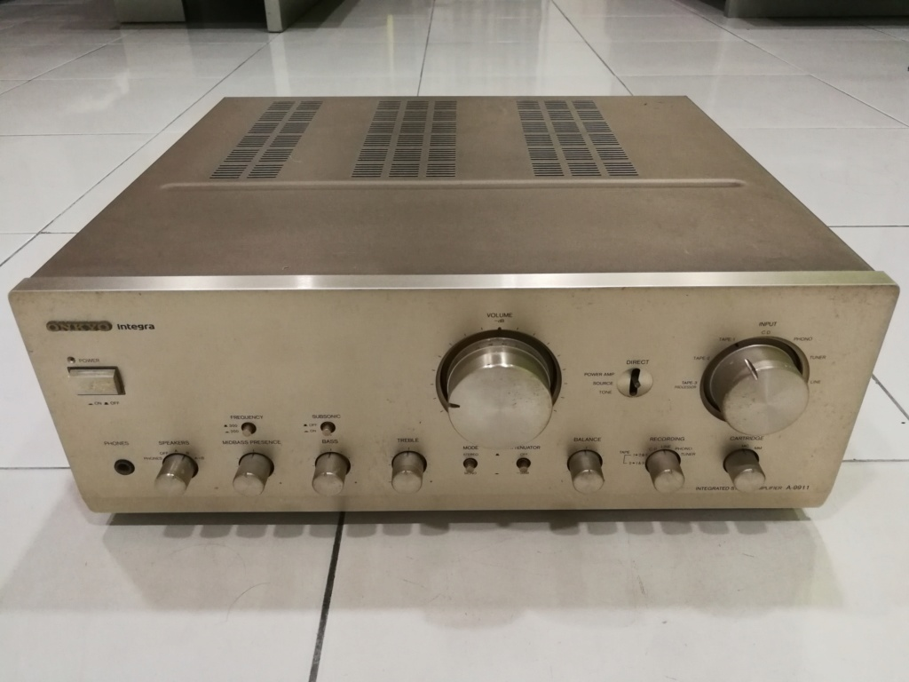 Onkyo A-9911 Integrated Stereo Amplifier Img_2041