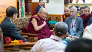Le Dalaï-lama explique le lien entre physique quantique et spiritualité 2018-110