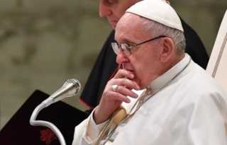 Pédophilie dans l'Eglise: Le pape va obliger légalement le clergé à signaler les abus sexuels 640x4110