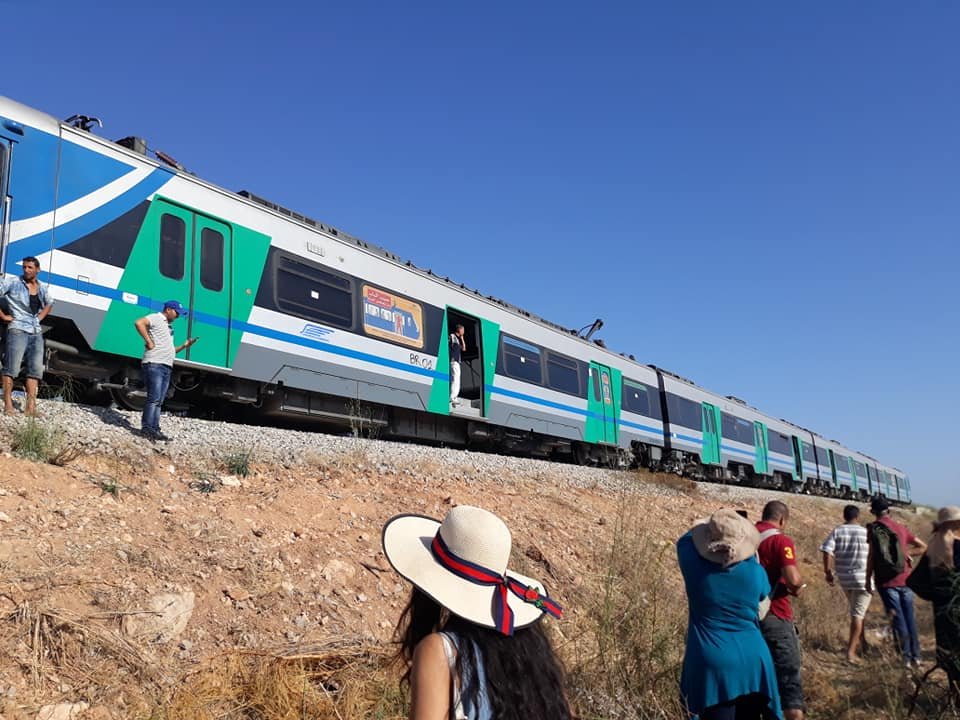 قطار الضاحية الجنوبية ينجو من كارثة 37814010