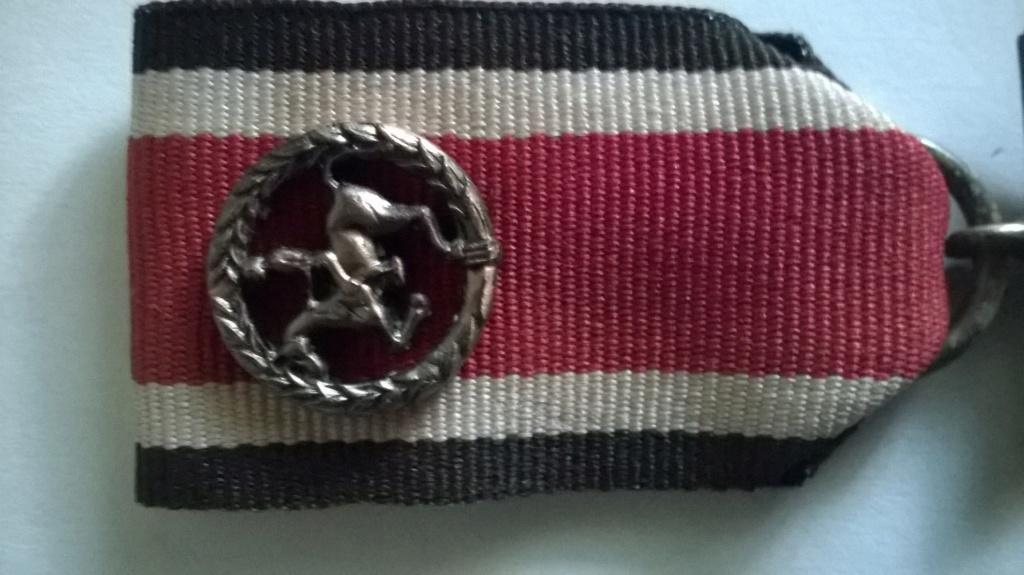 """Identification """" petit pin's """" sur croix de fer 14/18 et 39/45 Croix_14"""