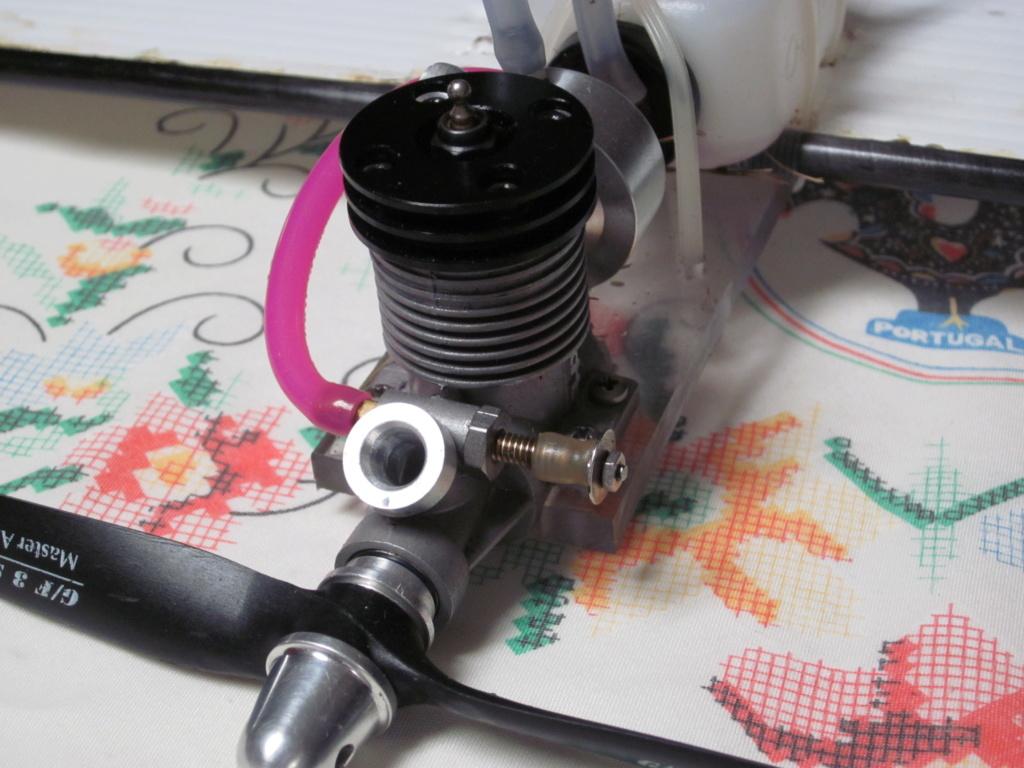 Engine rebuild - giving it the needle Ap_15_11