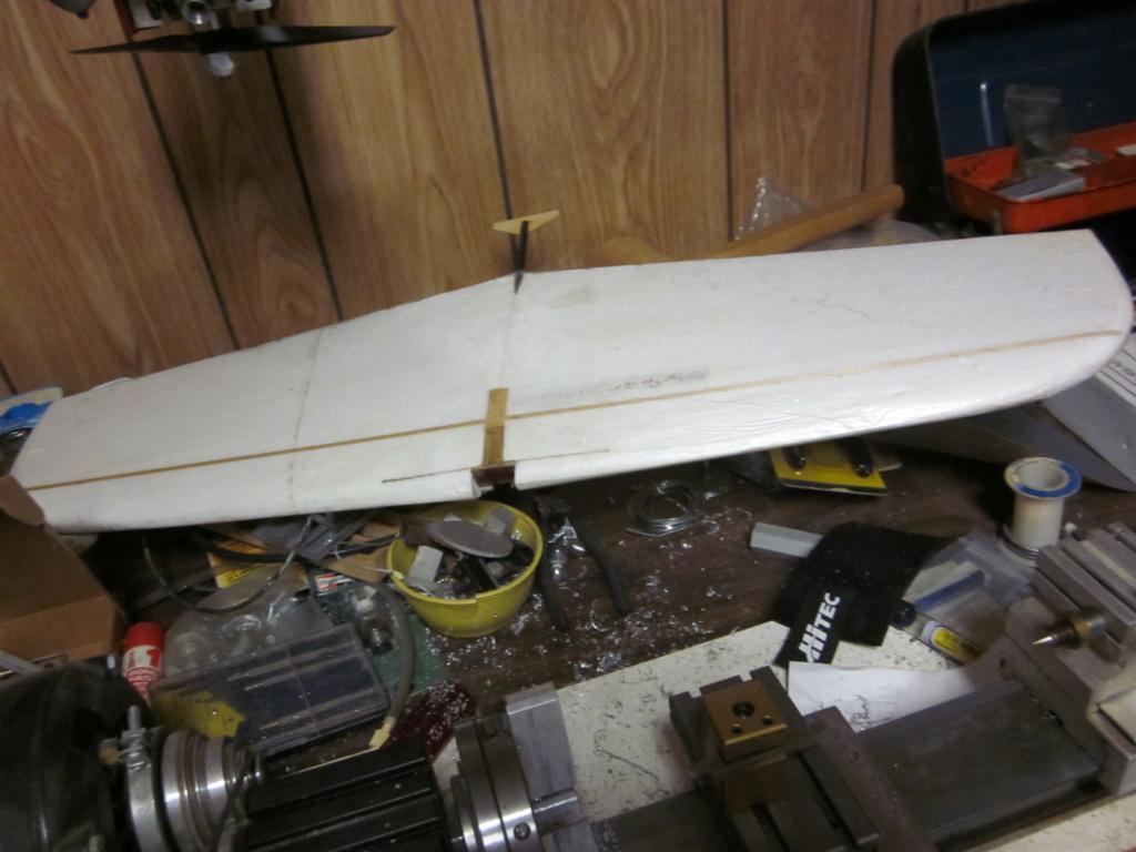 Crash proof 1/2A Stunt  plane  … ???   Mouse_11