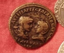 Identification Avers avec empereur et impératrice localisation grèce? 53f51f10