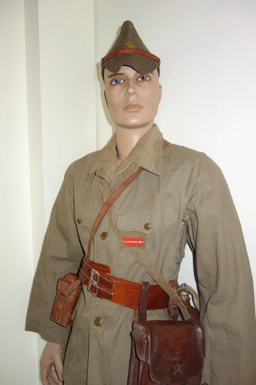 Nipon ni mauvais 2. Sous-officier, tenue tropicale Dsc04135