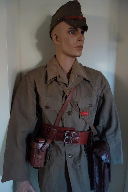 Nipon ni mauvais 2. Sous-officier, tenue tropicale Dsc04136