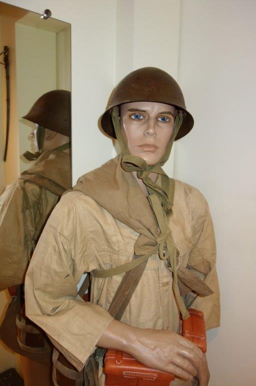 Nipon ni mauvais 1 Soldat, tenue allégée. - Page 2 Dsc04327
