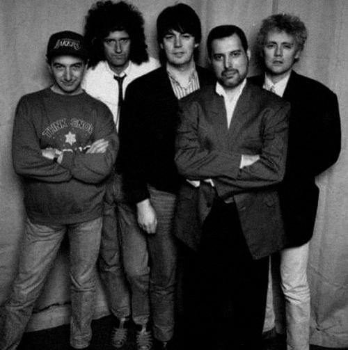¿Cuánto mide Freddie Mercury? - Altura - Real height 7bb68f10