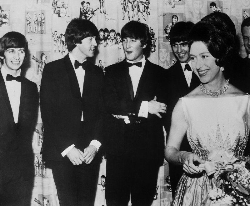 ¿Cuánto mide George Harrison? - Altura - Real height Fec8eb10