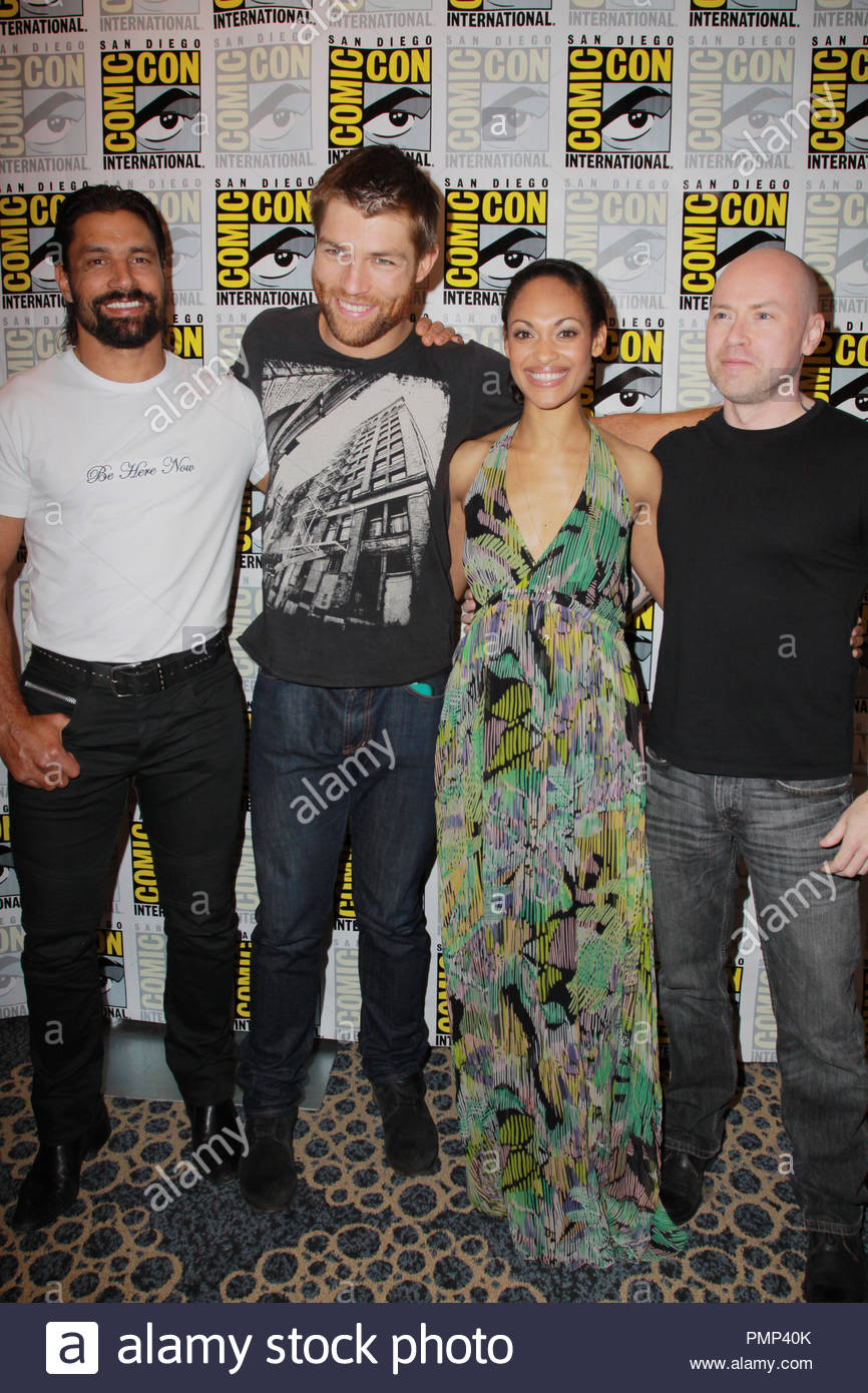 ¿Cuánto mide Manu Bennett? - Real height Liam-m12
