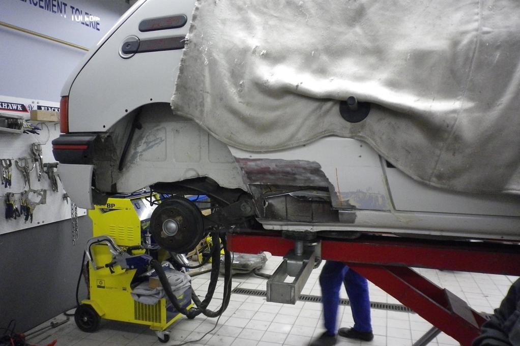 [90]  205 GTI 1L6 - 115cv - AM88 - Blanc Meije - Nouvelle Lionne au pays du Lion 03111