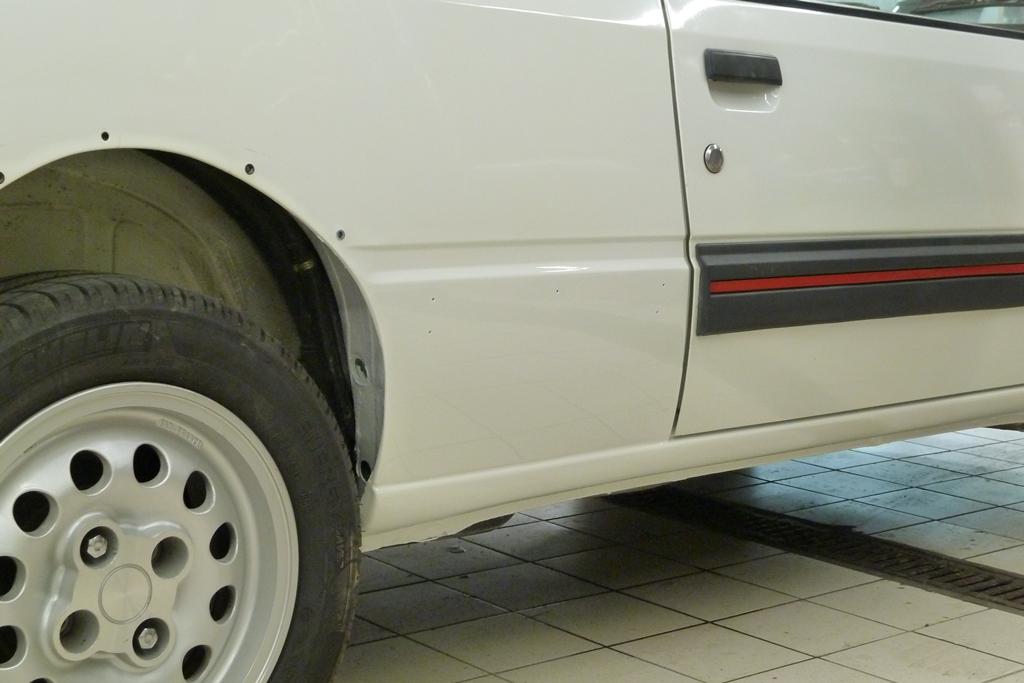 [90]  205 GTI 1L6 - 115cv - AM88 - Blanc Meije - Nouvelle Lionne au pays du Lion 05510