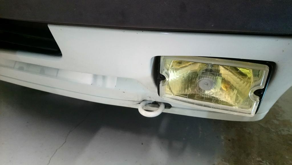 [90]  205 GTI 1L6 - 115cv - AM88 - Blanc Meije - Nouvelle Lionne au pays du Lion Dsc_4614