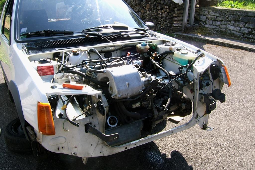 [90]  205 GTI 1L6 - 115cv - AM88 - Blanc Meije - Nouvelle Lionne au pays du Lion Dscf5012